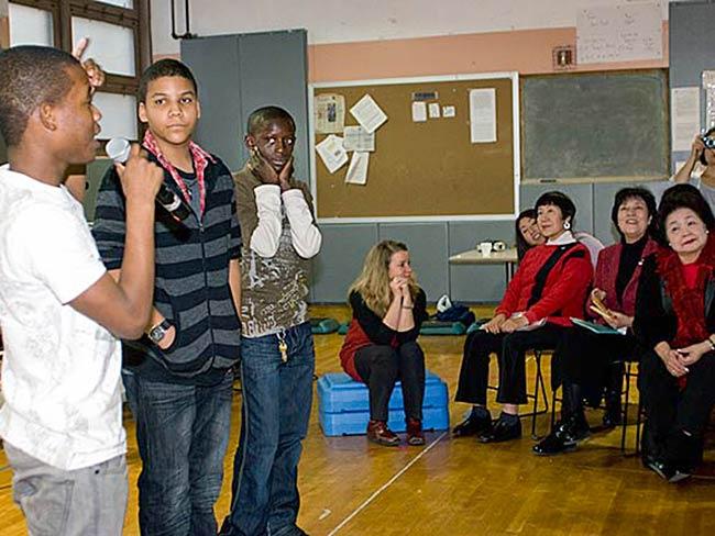 Students respond to hibakusha testimony, December, 2010