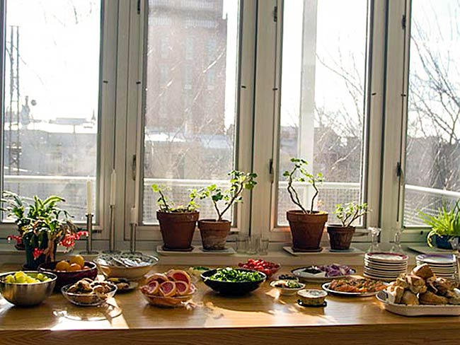 Sunday brunch is ready, December, 2010