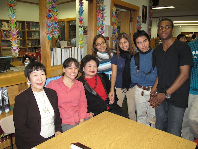Students at Jane Addams with Toshiko Tanaka, librarian Tina Chrismore and Setsuko Thurlow