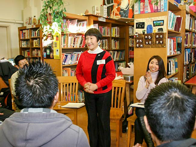 Toshiko Tanaka accepts the appreciation of the students, December, 2010