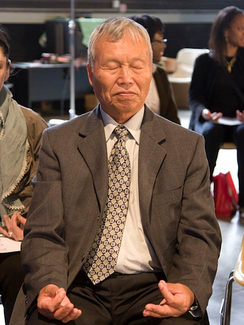 Kunihiko Bonkohara meditates with the group, May, 2010
