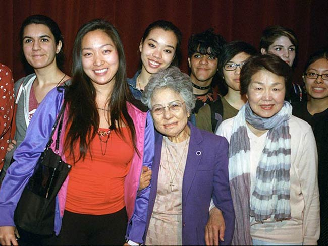 Shigeko Sasamori and Nobuko Sugino with students