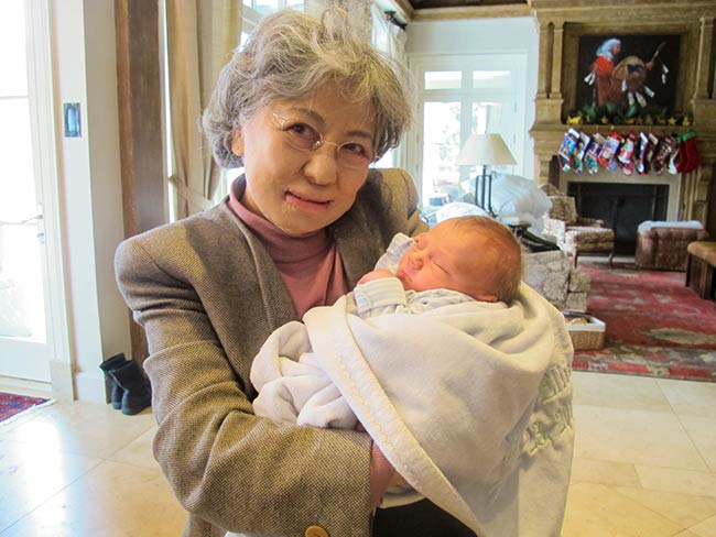 Shigeko Sasamori with the grandchild of Kathy Taylor