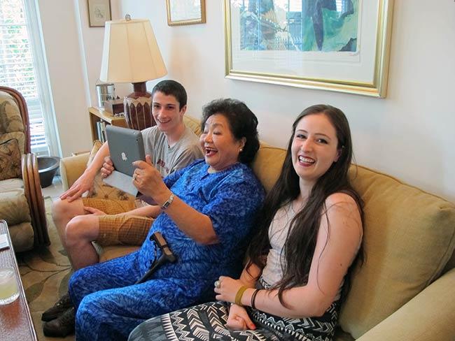 Truman Daniel, Setsuko Thurlow, Olivia Daniel