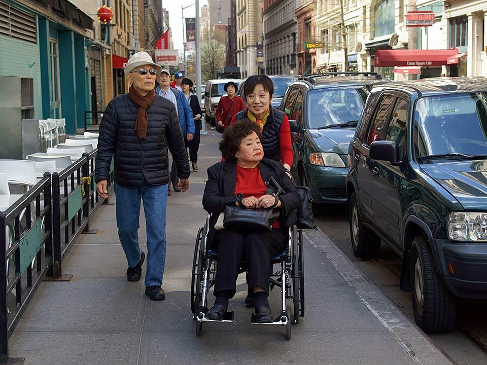 Yasuaki Yamashita, Mitchie Takeuchi, Setsuko Thurlow