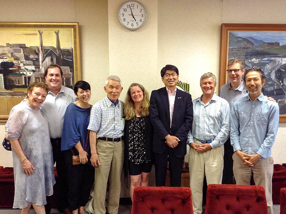Hibakusha Stories team with Mayor TomihisaTaue