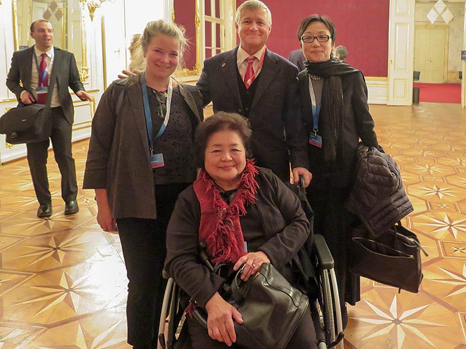 Kathleen Sullivan, Setsuko Thurlow, Robert Croonquist, Mitchie Takeuchi